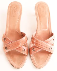 love the color of these heels - very versatile, and flattering on many skin tones.