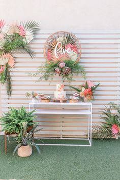 Floral Bohemian Birthday Party I want to show you today a birthday theme that I personally loved, it's very simple and I think it's ideal for when you go Flamingo Party, Flamingo Birthday, Birthday Party Decorations Diy, Birthday Crafts, Birthday Themes For Adults, 1st Birthday Parties, Luau Birthday, Prince Birthday, Moana Birthday