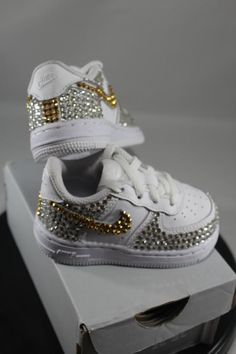 Custom Bling Air Force Ones- Bling Tennis Shoes- Bling & Pearls- Baby Bling Nikes- Custom Tennis Shoes- Bedazzled Nikes- Bling Shoes by DivineUnlimited on Etsy Toddler Sneakers Girl, Baby Sneakers, Girls Sneakers, Toddler Shoes, Kid Shoes, Girls Shoes, Baby Girl Shoes Nike, Ladies Shoes, Shoes Women