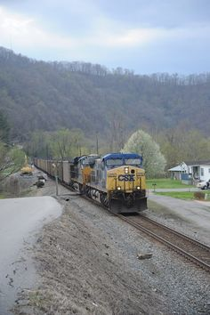Csx Transportation, West Virginia History, Train Pictures, Train Tracks, Locomotive, Tractors, Trains, American, Train