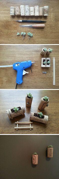 코르크 화분 [ cork pot ] Photosynthesis, Doll Furniture, Planting Succulents, Terrarium, Dollhouse Miniatures, Cork, Diy And Crafts, Diy Projects, Crafty