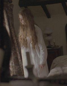 Mia Wasikowska in Jane Eyre Mia Wasikowska, Michael Fassbender, Edith Cushing, Jane Eyre 2011, Bronte Sisters, Crimson Peak, Charlotte Bronte, Penny Dreadful, Jane Austen