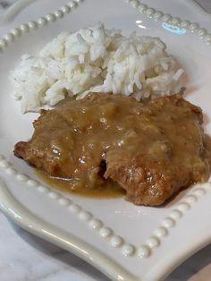 CROCKPOT CUBED STEAK Slow Cooker Beef, Slow Cooker Recipes, Crockpot Recipes, Cooking Recipes, Kitchen Recipes, Crockpot Dishes, Crock Pot Cooking, Creamed Potatoes, Cube Steak