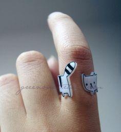 kitty shrink plastic ring by greenmot on etsy - love shrinky dinks! Shrinky Dinks, Plastic Fou, Shrink Plastic, Plastic Craft, Cat Jewelry, Jewelry Crafts, Handmade Jewelry, Jewellery, Jewelry Rings