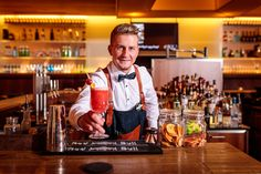 Lukas Prossegger, Bar-Chef Wood's Cocktailbar