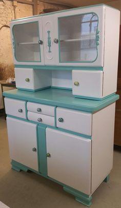 Pioneer Woman Kitchen Decor, Garage Furniture, Kitchen Buffet, Furniture, Vintage Kitchen, Vintage Credenza, Retro Kitchen, Hoosier Cabinets, Vintage Kitchen Decor