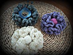 Hiperbólic crochet, Brooch