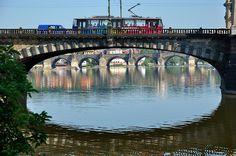 François de Nodrest / Pantchoa Prague : Legíí bridge