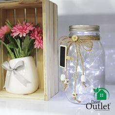Frascos, Cajas de madera, flores artificiales, decoración vintage Mason Jars, Mugs, Tableware, Ideas, Fake Flowers, Vintage Decor, Wood Boxes, Jars, Home