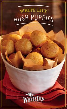 You can't go wrong with these White Lily Hush Puppies. This bite-sized side dish is a great addition to lunch or dinner. Combine cornmeal mix, milk, egg, onion and onion powder and fry for two minutes to make these easy fluffy golden brown goodies.
