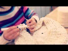 taller de ganchillo con trapillo: puf gigante en www.galeriapurpura.com