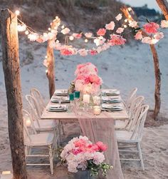 GO HOME. Dinner time #dinner #romantic #floral #beach #caciqueboutique
