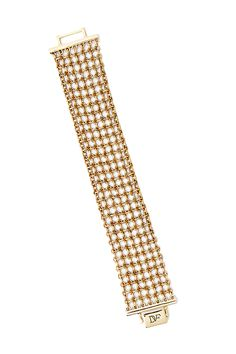 Our signature chain link print is reimagined as a fine mesh to make this stunning bracelet with a woven effect. With foldover clasp. Gifts For Mum, Gifts For Women, Unique Gifts, Best Gifts, Queens Jewels, Bobbi Brown, Cuff Bracelets, Chain, How To Make