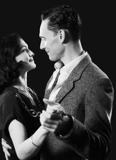 Tom Hiddleston and Rachel Weisz, The Deep Blue Sea great acting but this movie was.... Just bad