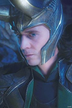 Tom Hiddleston - Loki-Thor-2011