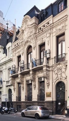 Louvre, Mansions, House Styles, Building, Travel, Decor, Buenos Aires, Mansion Houses, Decorating