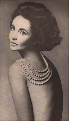 HARPER'S BAZAAR SEPTEMBER 1960. A GREAT BEAUTY