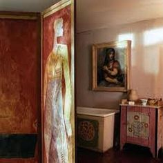 Vanessa Bell's 1913 bathroom with folding screen by Duncan Grant