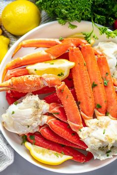 Crab legs are one of the easiest things to make at home. Skip the expensive restaurant mark-ups and enjoy this gourmet treat at home. We'll show you how to boil, steam, or broil in the oven as well as show you how to eat crab legs too! Steamed Crab Legs, Baked Crab Legs, Steamed Crabs, Crab Leg Recipes Boiled, Crab Recipes, Snow Crab Legs Recipe Boiled, Snow Crab Boil Recipe, Recipies, Lobster Recipes