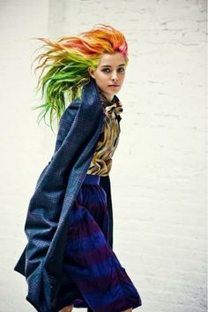 Chloe Nørgaard, that dyed hair with that skin and indigo skirt, this girl has style! #mizustyle #streetstyle