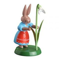 • Table decoration for Easter • handpainted bunny • Easter decorations from the Erzgebirge • height approx 6cm / 8.5cm / 3.4inch Zeidler Holzkunst Seiffen Erzgebirge