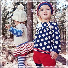 PREVIEW INVERNO 2015 Começamos a semana em grande estilo!  A coleção da Chicco para o Inverno 2015 tem um visual totalmente novo, com roupas que apresentam contornos suaves e delicados para os mais novos, e temas mais elegantes e fashionistas para crianças mais velhas, com toda a qualidade e detalhes que os pais procuram nas roupas infantis. Um mundo colorido, divertido, composto de padrões e desenhos que encantam os pais e fazem os filhos se sentirem bem. Tem como não amar?