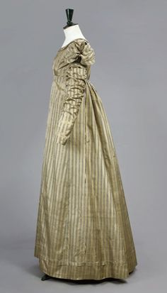 Day dress ca. 1810-15  Oh the sleeves!! <3