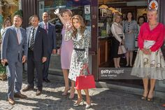 <a gi-track='captionPersonalityLinkClicked' href=/galleries/search?phrase=Queen+Mathilde+of+Belgium&family=editorial&specificpeople=239189 ng-click='$event.stopPropagation()'>Queen Mathilde of Belgium</a>, and Queen Rania of Jordan leave The Chocolate Line shop founded by award winning chocolatier Dominique Persoone during a state visit by King Abdullah II of Jordan and Queen Rania Of Jordan on May 19, 2016 in Brugge, Belgium.