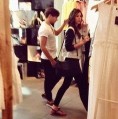 Louis Tomlinson and Eleanor Calder Chicaaagooooo <3 I live here, why the heck couldn't I have been where they were that day...