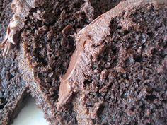 A Bountiful Kitchen: Fool Proof Chocolate Bundt Cake with Fudge Frosting