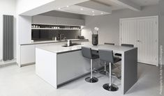 SieMatic S2. Wakefield. Designed by Natalie Fry, Grid Thirteen Luxury Kitchens and Living, Leeds.