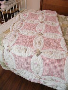 Single Pink Scalloped Quilt by MontiqueFurniture on Etsy