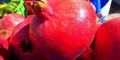 Granatäpfel sehen schön aus und schmecken köstlich.Die Frucht stamt aus dem Orient und findet auch bei uns immer mehr Anhänger. Naturheilkundler schwören darauf ebenso wie Hollywood-Stars. Warum? http://medelia.de/granatapfel (pic: LoggaWiggler/pixabay)