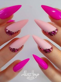 68 Beautiful Stiletto Nails Art Designs And Acrylic Nails Ideas 2020 - Lily Fashion Style - Nageldesign - Classy Nails, Stylish Nails, Fancy Nails, Pink Nails, Cute Nails, Pretty Nails, Fancy Nail Art, Neon Nail Art, Glam Nails