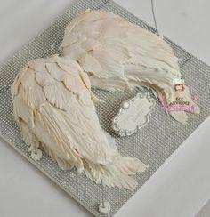 Angel wing birthday cake by Ece Akyildiz Www.mutlukekler.com