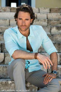 Sebastian Rulli, Latino Actors, Man Up, Sexy Shirts, Famous Men, Hair And Beard Styles, Actor Model, Attractive Men, Good Looking Men