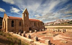Mosteiro de Santa Clara a Velha by jraposo3072, via Flickr #Portugal