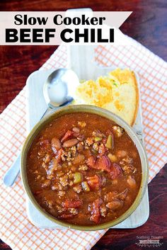 This easy Slow Cooker Beef Chili Recipe is full of flavor but not too spicy. The best beef chili recipe I've made and family-approved! Beef Chili Recipe, Chilli Recipes, Beef Recipes, Cooking Recipes, Yummy Recipes, Recipies, Soup Recipes, Fall Crockpot Recipes, Fall Recipes