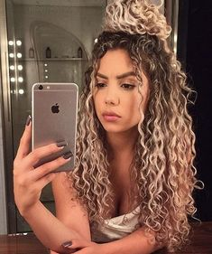 Curly hair is a kind of hairstyle. How to take care of curly hair is very important. Generally, after curling, you can use some to make hair plump and elas Curly Hair White Girl, Curly Hair Styles, Ombre Curly Hair, Cute Curly Hairstyles, Colored Curly Hair, Natural Hair Styles, Hairstyle For Curly Hair, Hairstyle Ideas, Naturally Curly Hairstyles