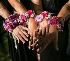 www.italianfelicity.com #bridesmaids #wristcorsage #bouquet