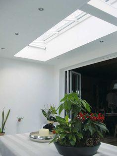 Aluminium lichtstraat van Luxlight serie Basic, model LDV - lessenaarsdak voor vrijstaande montage. Meer info: http://www.hout-en-bouwmaterialen.nl/luxlight-basic-lichtstraten.php