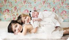 family photo ideas | Trés Chic: Family Photo Shoot ideas