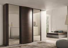 Un dressing en bois pour une chambre contemporaine