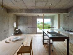 八木の家 | Hiroshima 06.2012 #concrete #wood #interior