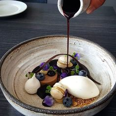 • Blueberry,  Liqourice and Vanilla • By @vidal31 Plate By @vastergarden