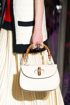 899f23798a74 Gucci Fall 2017 Ready-to-Wear Accessories Photos - Vogue 2017 Handbags