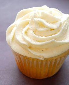 Starbucks copycat Vanilla Bean cupcake recipe OH MY GOD!! http://on.fb.me/146JmUH