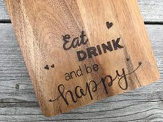 Wood Burning Crafts, Wood Burning Art, Laser Cutter Projects, Dremel, Pyrography, Bamboo Cutting Board, Wood Art, Wood Projects, Decoupage