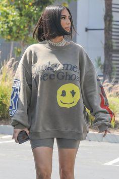 Everything Old Is New Again, Just Like Kim Kardashian's Chain-Link Chokers - Kim Kardashian's Bringing Back the Chunky Chain-Link Choker — Say That 5 Times Fast Source by leoyolo - Kim Kardashian Blazer, Kim Kardashian Meme, Kim Kardashian Bikini, Looks Kim Kardashian, Estilo Kardashian, Kardashian Style, Kardashian Jenner, Kylie Jenner, Kardashian Clothing