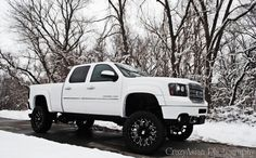 While the GMC Sierra Denali 2500 Duramax rides high, below, a new set of XD rims rolls with some contrasting style. The factory GMC Sierra wheels from General Motors were swapped out for a new set of black XD Bomb rollers with a 22-inch diameter. The black-finished XD wheels also are equipped with a beefy set of 325/50 R22 Toyo Open Country ATII tires for grip in any situation. #inpirational #Things